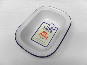 OBLONG PIE DISH 24cm  WHITE